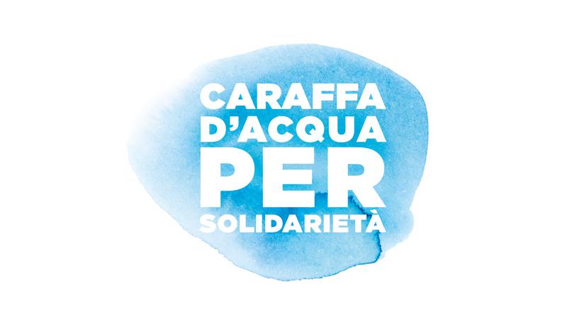 Caraffa d'acqua per solidarietà
